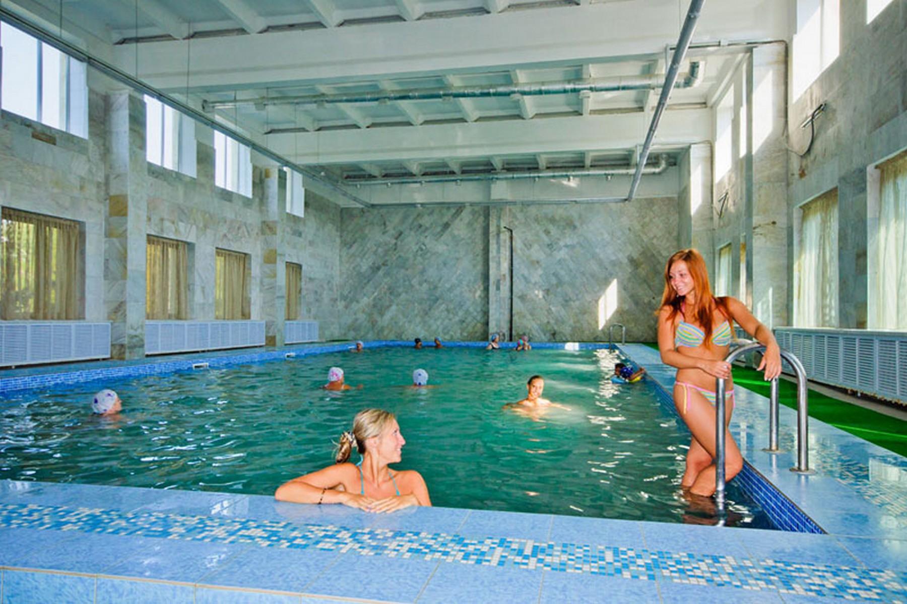 анапа закрытый бассейн в пансионате кристалл фото сирени