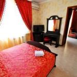снять номер онлайн отель Роял в Витязево у самого моря с бассейном