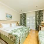 снять жилье онлайн отель на берегу моря 5 звезд Довиль отдых дорого в Анапе