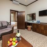 снять номер онлайн отель на берегу моря 5 звезд Довиль отдых дорого в Анапе