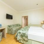 снять комнату отель на берегу моря 5 звезд Довиль отдых дорого в Анапе