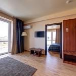 отдохнуть компанией отель Релакс в Витязево с бассейном отдых у моря