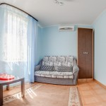 семейный номер забронировать Люкс гостиная гостевой дом Березка в Джемете у моря