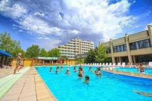 забронировать пансионат с бассейном Южный семейный отдых в Крыму Николаевка