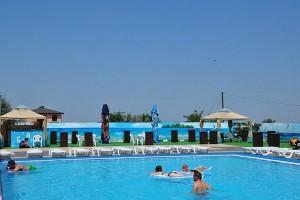 отель с бассейном Релакс в Витязево с бассейном отдых у моря