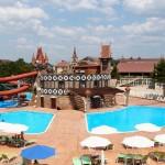отдохнуть на юге в отеле с компелксом открытых бассейнов отель на берегу моря 5 звезд Довиль отдых дорого в Анапе