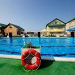 пансионат у моря ЮгРа с открытым бассейном