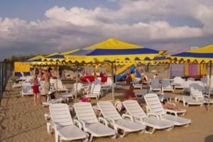 пляж семейный пансионат Шихан в центре Джемете с выходом на море