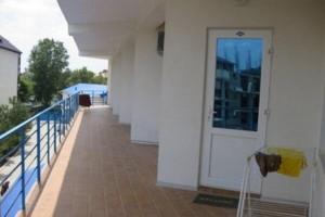 номер с балконом семейный пансионат Шихан в центре Джемете с выходом на море