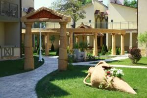 элитный семейный отдых на юге отель на берегу моря 5 звезд Довиль отдых дорого в Анапе