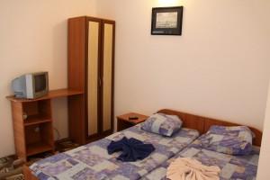 бронировать номер частная гостиница Скала в центре Джемете у моря