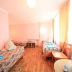 снять номер у моря дешево пансионат Маяк семейный отдых в Крыму Евпатория