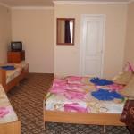 отдохнуть недорого частная гостиница Скала в центре Джемете у моря