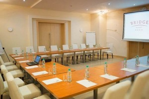 конференции семинары переговоры в отеле Бридж Резорт Сочи Имеретинская бухта