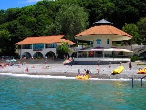 молодежный отдых СПА-отель Русский дом Дивный 43.39 отдых у самого моря в Сочи Лоо