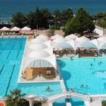 гранд-отель Жемчужина в центре Сочи с бассейнами у самого моря