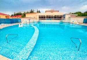 открытый бассейн пресная вода санаторий СССР в центре Адлера Сочи недорого