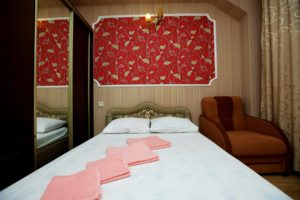 Гостиница с питанием Витязево Христакис 2-местный стандарт с доп. местом